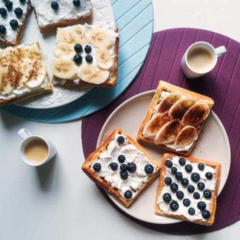 homemade-waffles-with-coffee